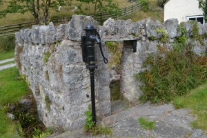 St Beuno's Well and cave Treimeichion (3)