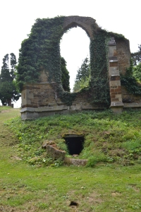 Holy Well and St John's church ruins Boughton (12)