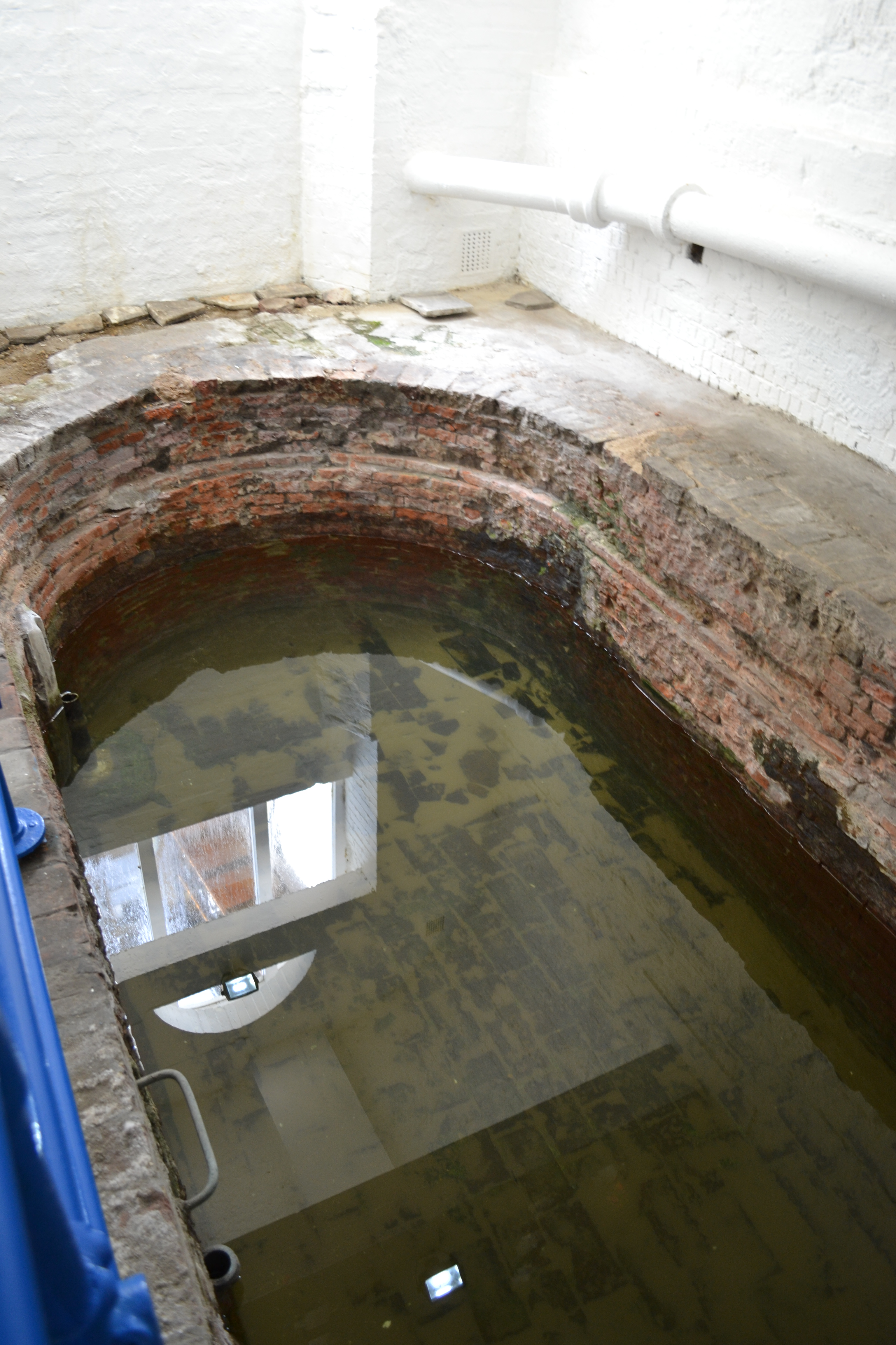 group-sex-in-old-roman-baths